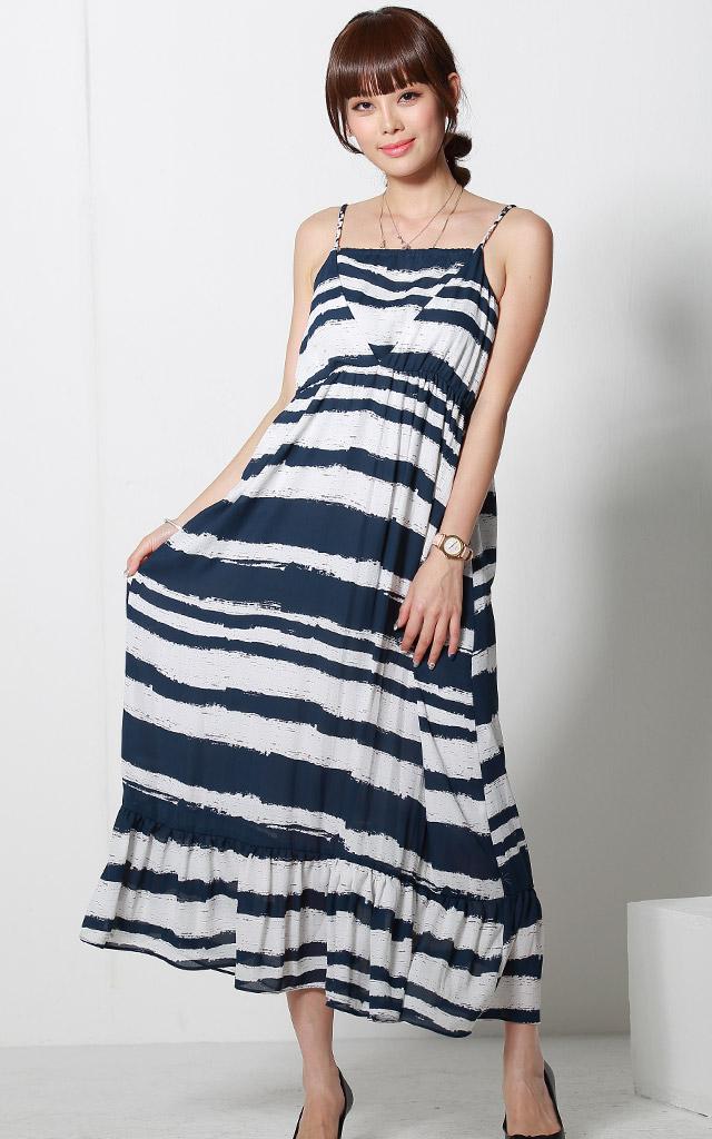 授乳服マキシワンピースのモデル画像