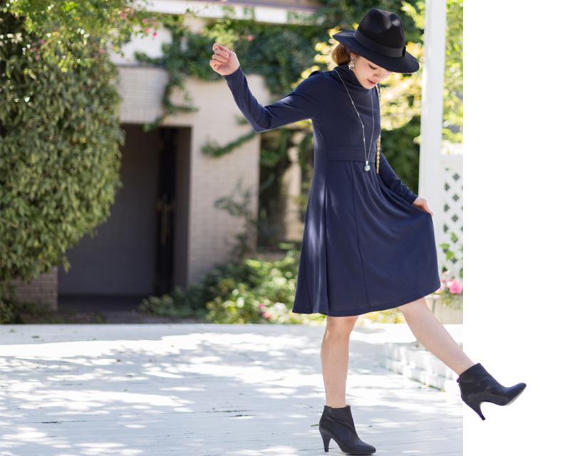 フィット&フレアのシンプル授乳服ワンピース