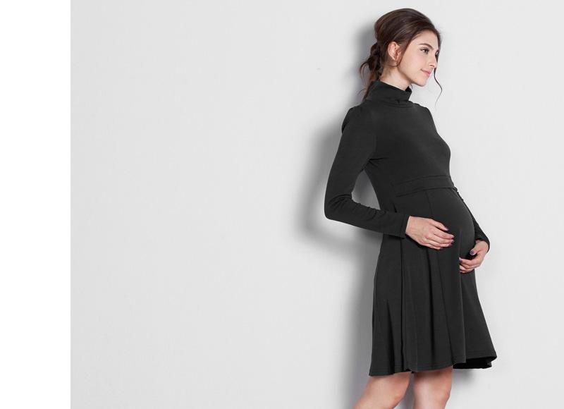 妊娠中も綺麗なシルエットで着ていただけるマタニティウェアワンピース