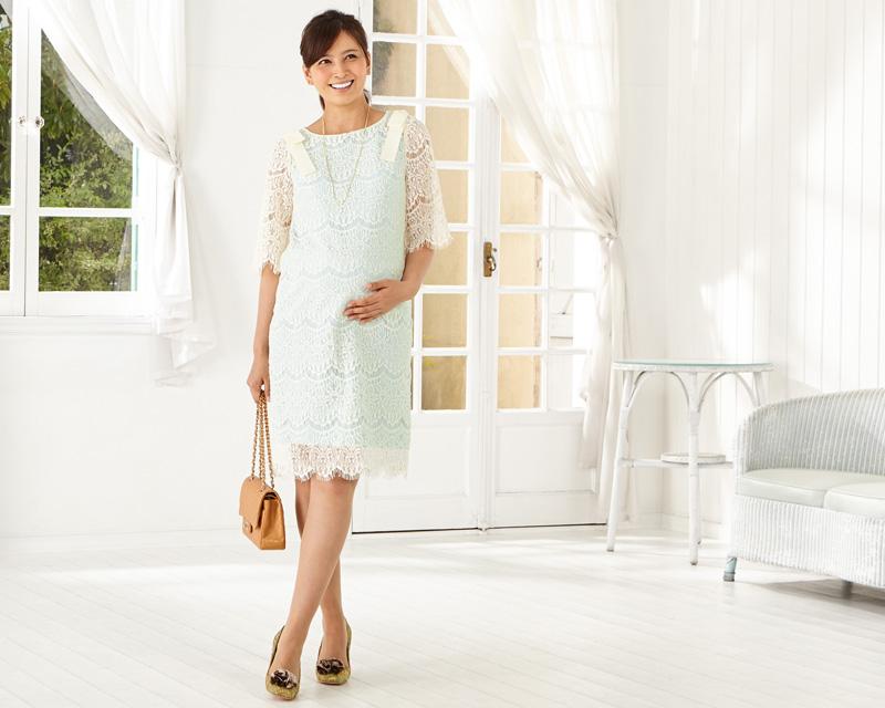すっきりとしたシルエットで見せながら華やかな授乳服ドレス