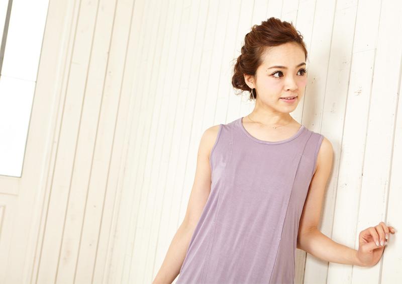 透け感のある素材が夏でも涼しげな授乳服