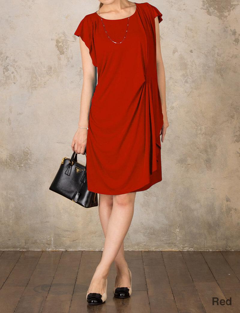 鮮やかなカラーが美しいマタニティドレス