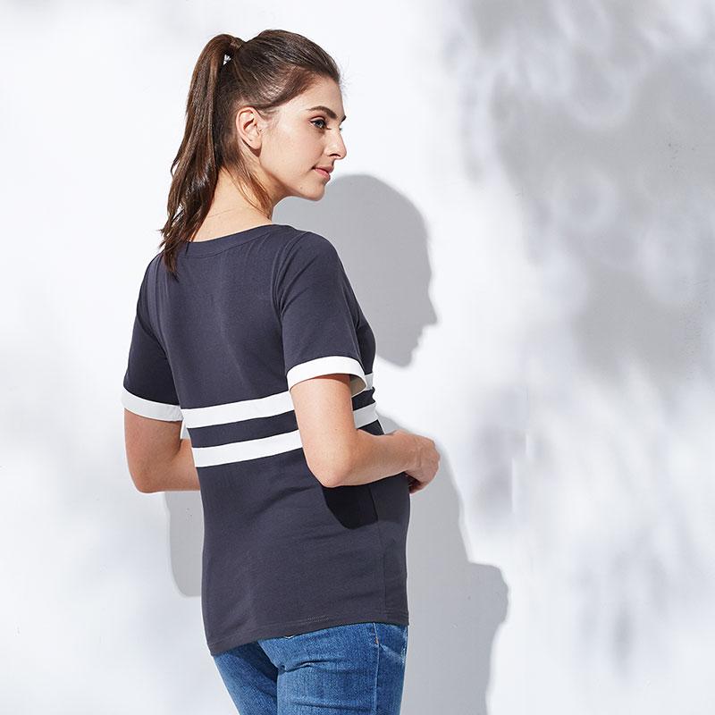 シンプルでさわやかな授乳服Tシャツ