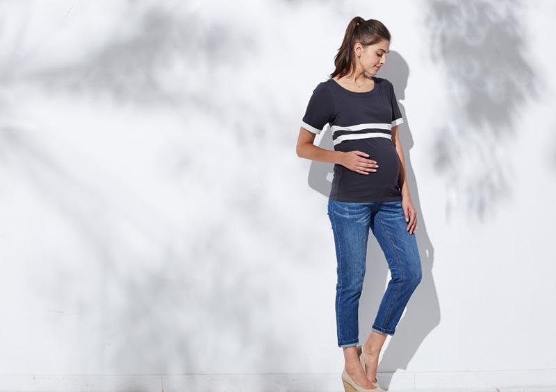 産前から産後まで大活躍の授乳服トップス