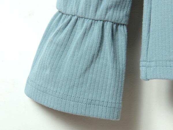 女性らしいふんわり袖