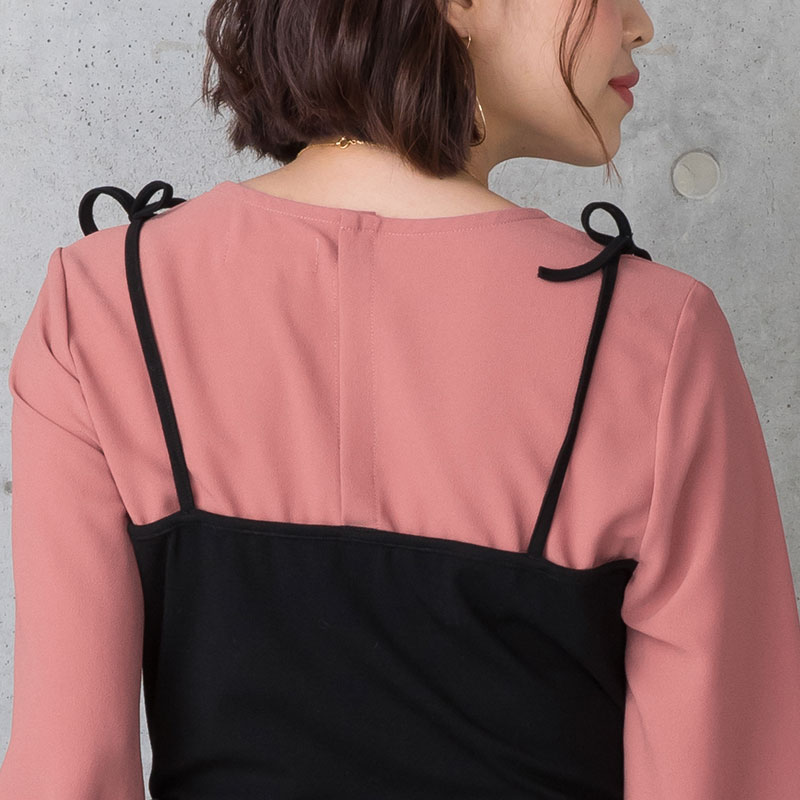 可愛い肩リボンは縫い留められているので解けません
