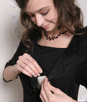 ミニフリル付き授乳ワンピース  授乳服 マタニティウェア