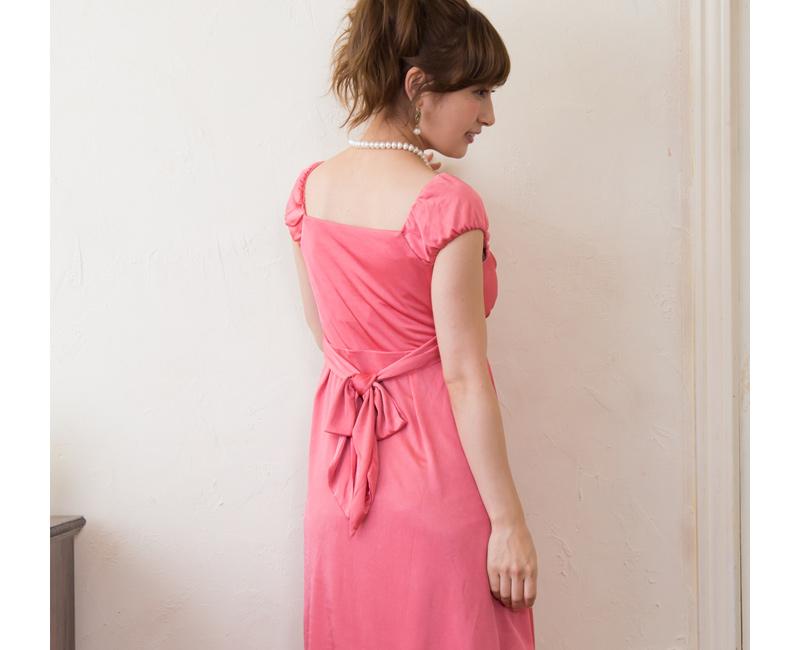 女性らしい後姿を叶える授乳服ドレス