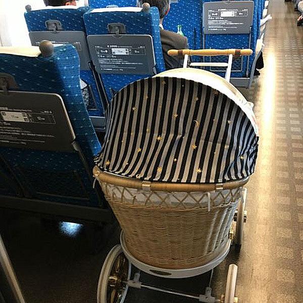 バスの車内でもコンパクト