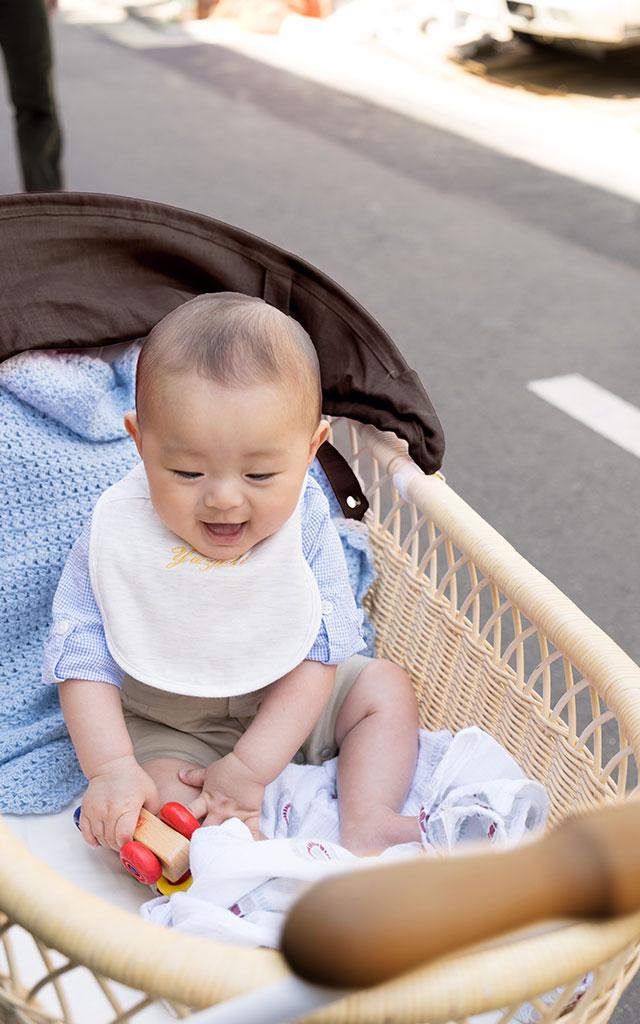 赤ちゃんも安心ベビーカー